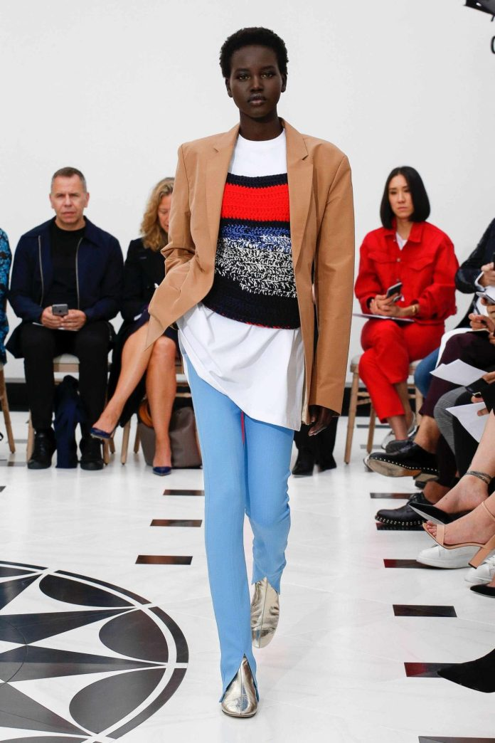 The 21st Century Woman! Victoria Beckham Spring 2019 Collection At London Fashion Week 16