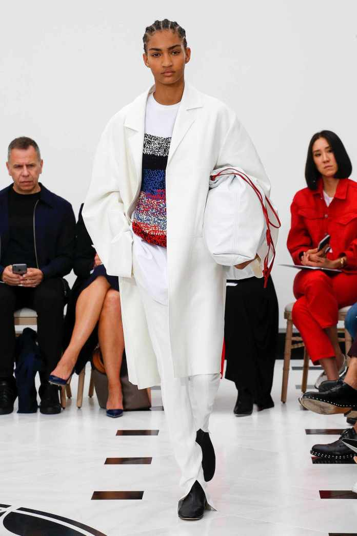 The 21st Century Woman! Victoria Beckham Spring 2019 Collection At London Fashion Week 19