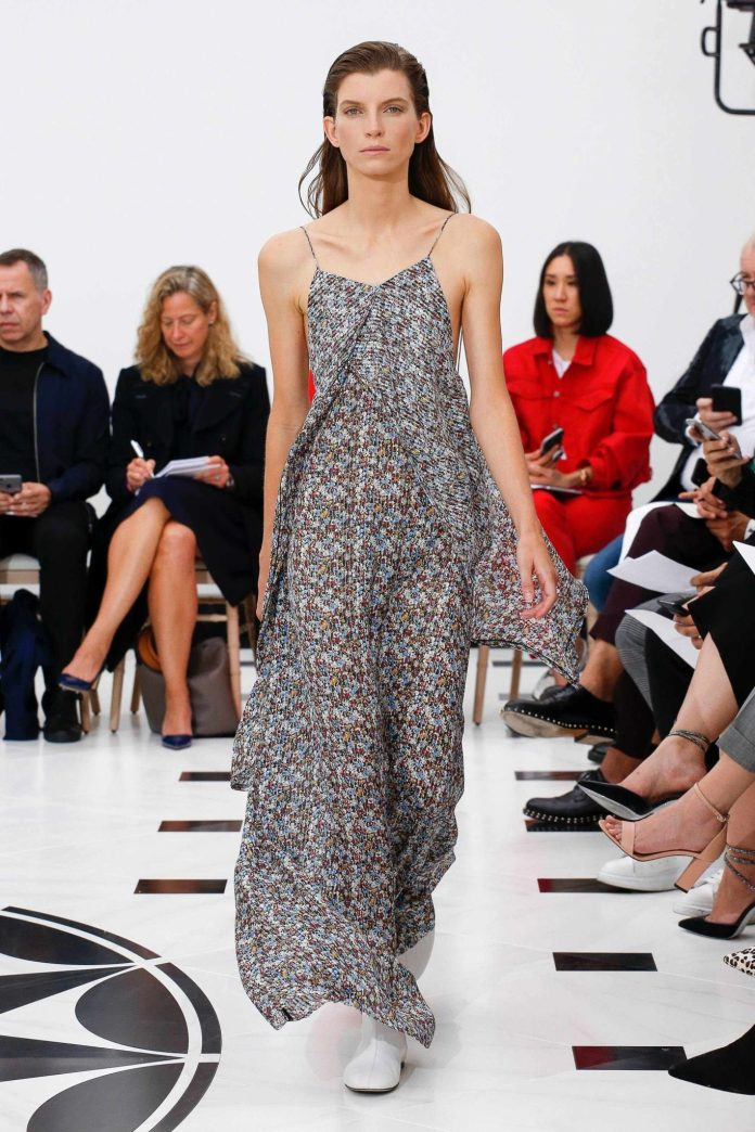 The 21st Century Woman! Victoria Beckham Spring 2019 Collection At London Fashion Week 21