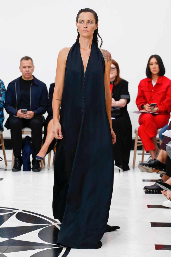 The 21st Century Woman! Victoria Beckham Spring 2019 Collection At London Fashion Week 25