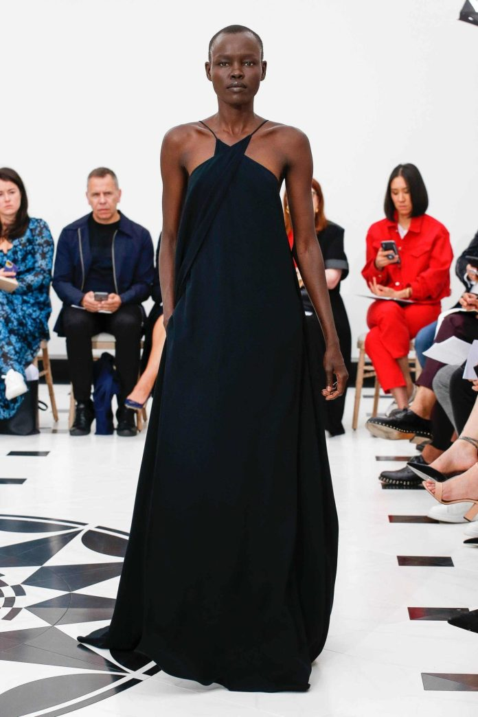 The 21st Century Woman! Victoria Beckham Spring 2019 Collection At London Fashion Week 30