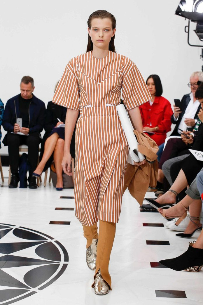 The 21st Century Woman! Victoria Beckham Spring 2019 Collection At London Fashion Week 4