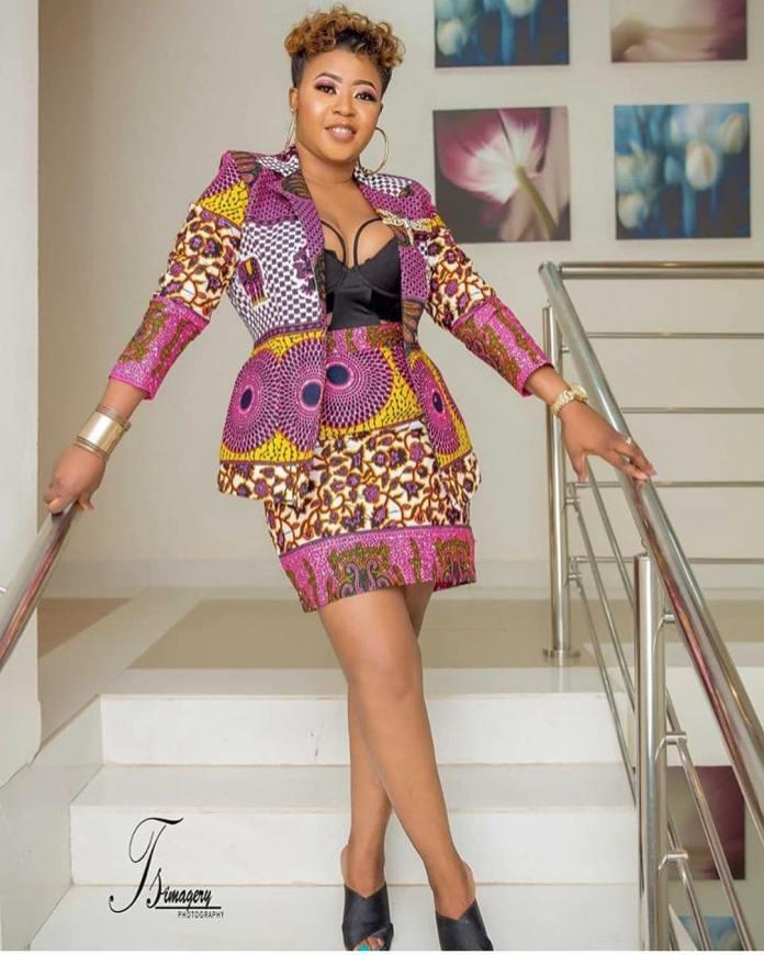Ankara Style: Spice Up Your Wardrobe With This Corporate Ankara Style 1