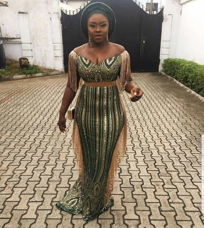 Aso Ebi Style: Gorgeous Styles That Caught Our Attention This Weekend 7