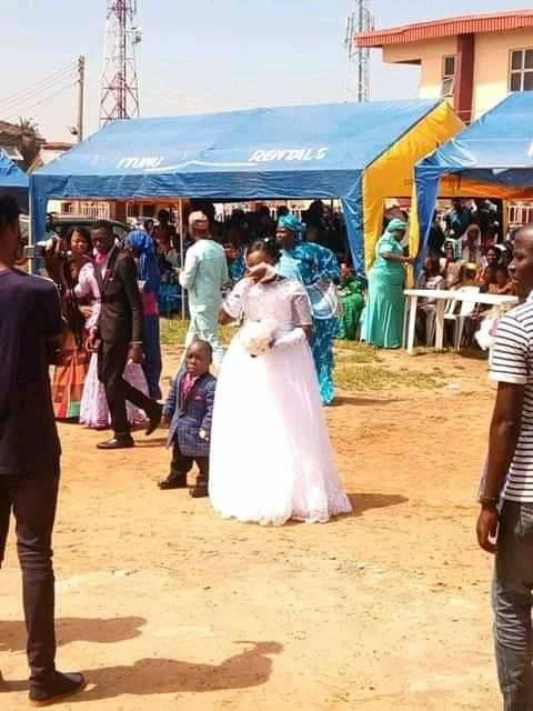 Trending! Photos of The Dwarf And Bride On Their Wedding Day Melts Hearts Online 1