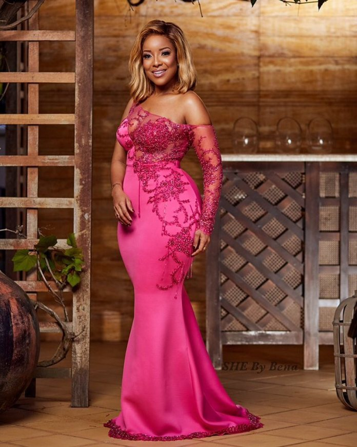 #BreastCancerAwareness: Joselyn Dumas Sizzles In New Braless Photos 1