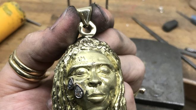 Lil Wayne Necklace Helps Student Pay University Fees 1