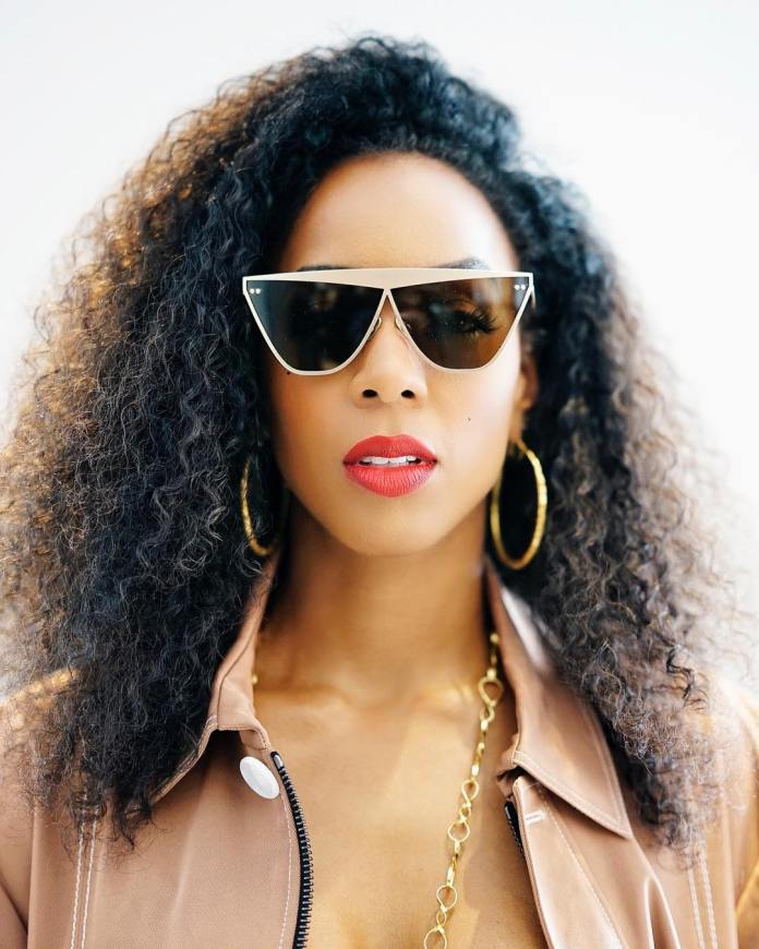 Kelly Rowland Denies Skin Bleaching Allegations From Her Fans 1