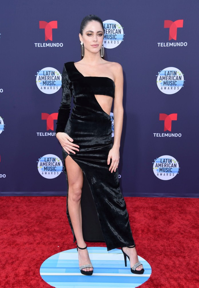 The Insider: Stunning Red Carpet Photos From The 2018 Latin American Music Awards 16