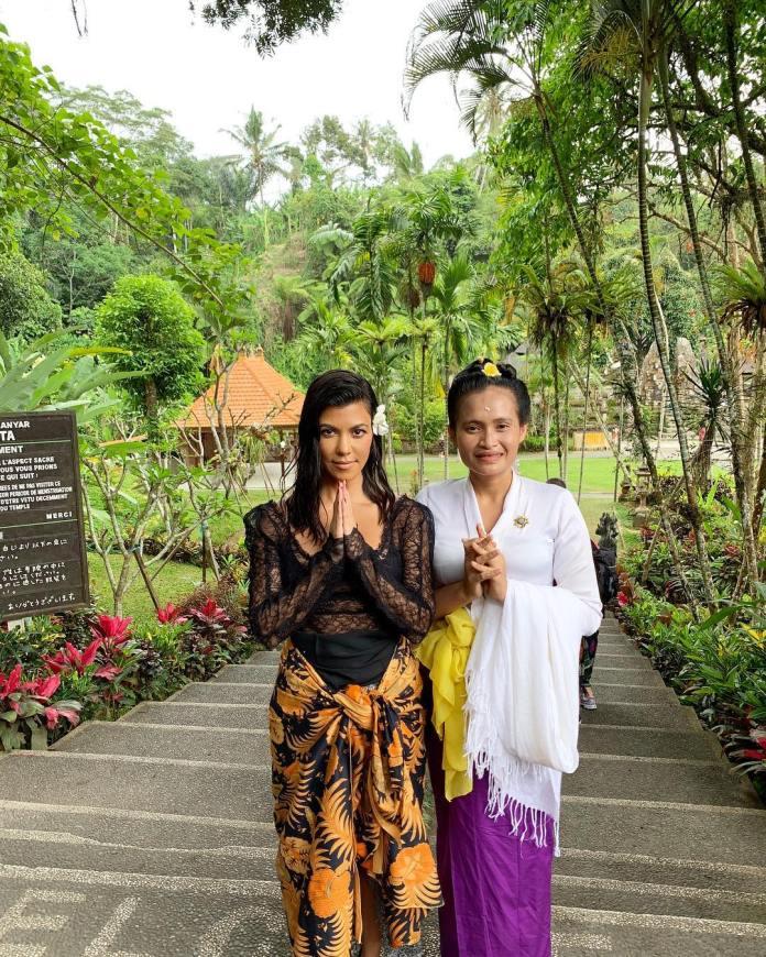 Get In! Scott Disick Vacationing With Kourtney Kardashian In Bali 3