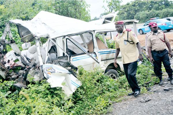 Just In: 4 Dead, 3 Injured In Lagos-Ibadan Expressway Auto Crash 3