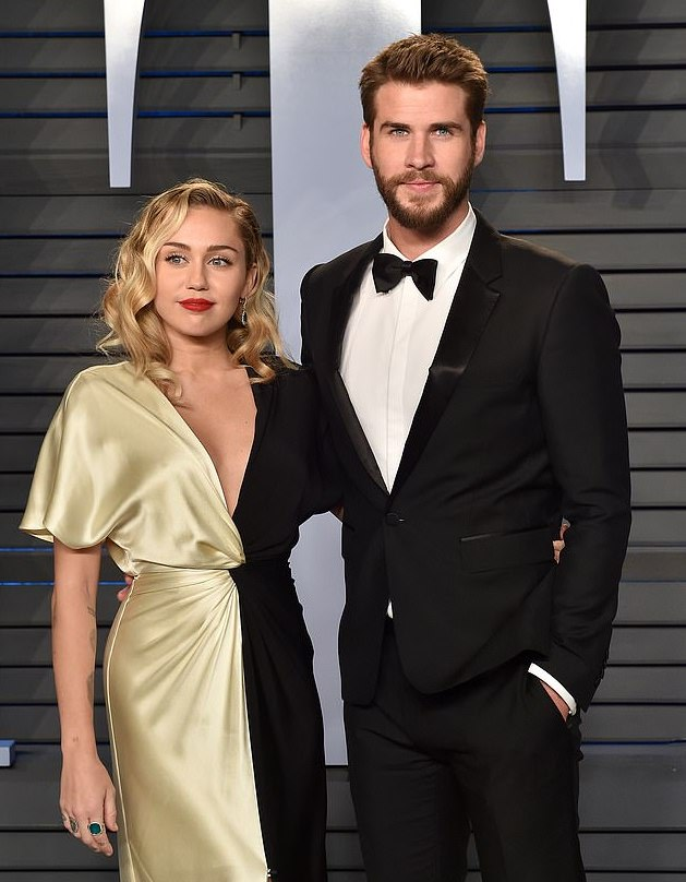 Miley Cyrus And Liam Hemsworth Tie The Knot In A Low-Key Wedding Ceremony 1