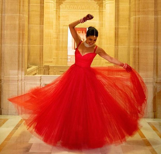 Style Stalking:  The Stunning Dress Priyanka Chopra Wore For Her Second Wedding Reception 1