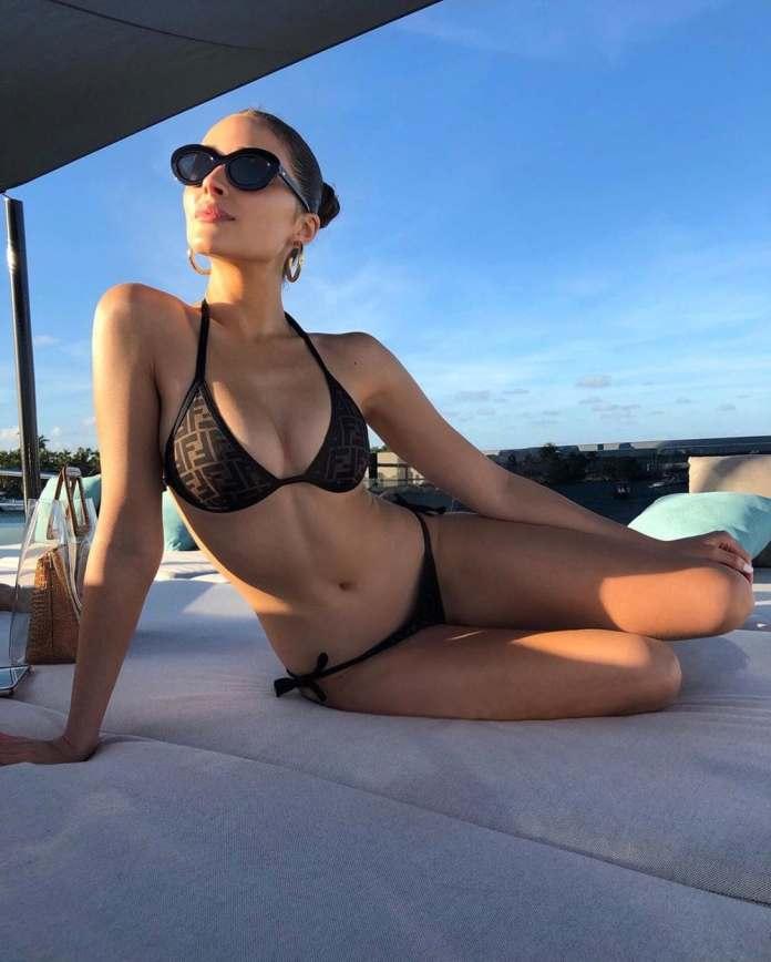 Eminem's Daughter Hailie Scott Flaunts Banging Bikini Body (Photos) 4
