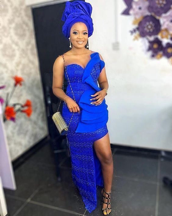 Aso-Ebi style: Channel Your Inner Stunning As You Rock These 5 Aso-ebi Styles 1