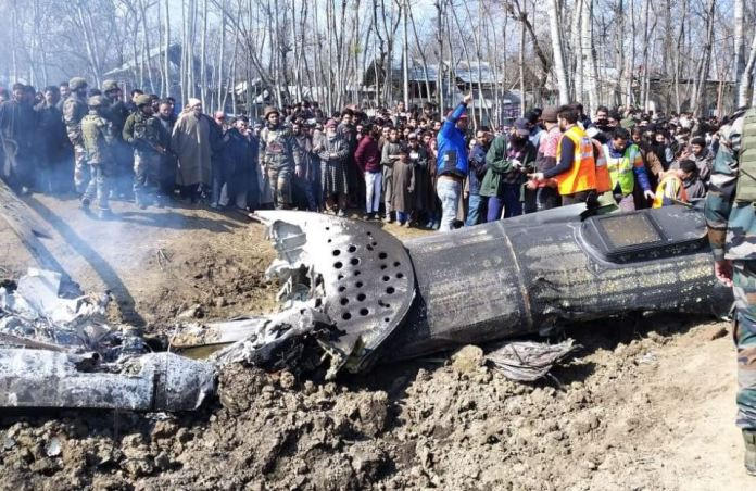 Kashmir:Pakistan Shoots Down Two Indian Warplanes And Captures Two Pilots 3