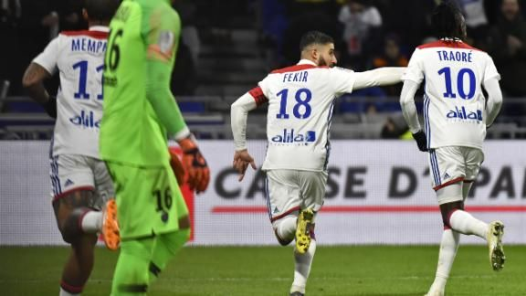 Ligue 1: Lyon Ends PSG's Unbeaten Run Dembele And Nabil Fekir Stars 3