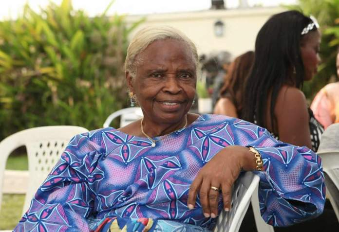 What Buhari And Osinbajo Did In Three Years, People Couldn't Do It For 16 Years - Osinbajo's Mother 2