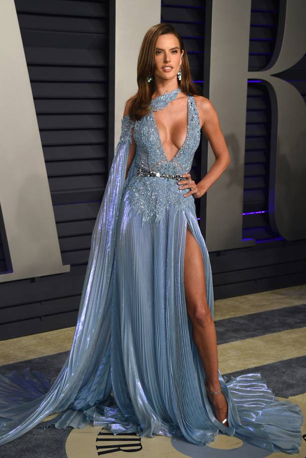 726d254711 Sizzle! See The 10 Sexy And Hot Styles From The Vanity Fair Oscars ...