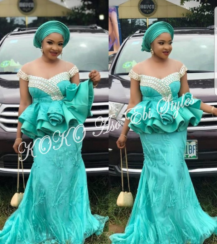 Ten Hot And Vibrant Aso Ebi Styles You Definitely Need To See! 7