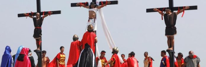 Jesus Wept! Good Friday Tradition Sees Screaming Christians Nailed To Crucifixes 4