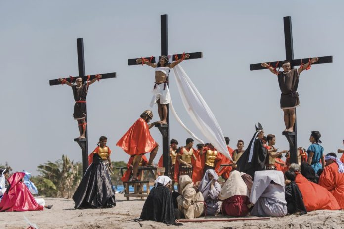 Jesus Wept! Good Friday Tradition Sees Screaming Christians Nailed To Crucifixes 1