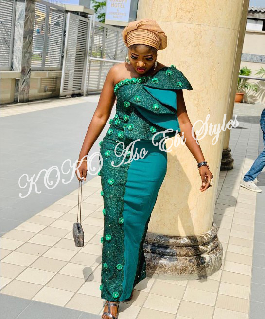 Five Chic Aso-ebi Styles That Will Absolutely Make A Stunning Wedding Guest Style Statement 3