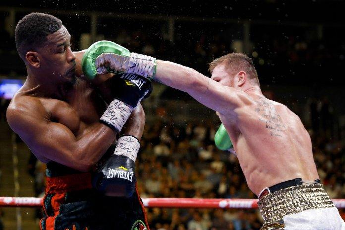 Saul 'Canelo' Álvarez Defeats Daniel Jacobs To Unify Middleweight Titles 2