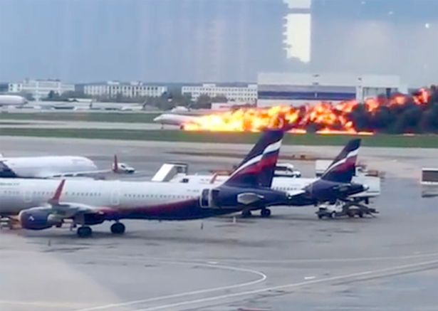 Russia Plane Fire: One Dead And Ten Injured After Fire Breaks Out Onboard Aeroflot Sukhoi Superjet Passenger Aircraft 4
