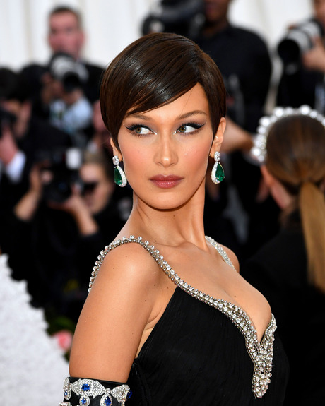 Best Hair And Make Up: 15 Amazing Beauty Looks From The 2019 Met Gala 8