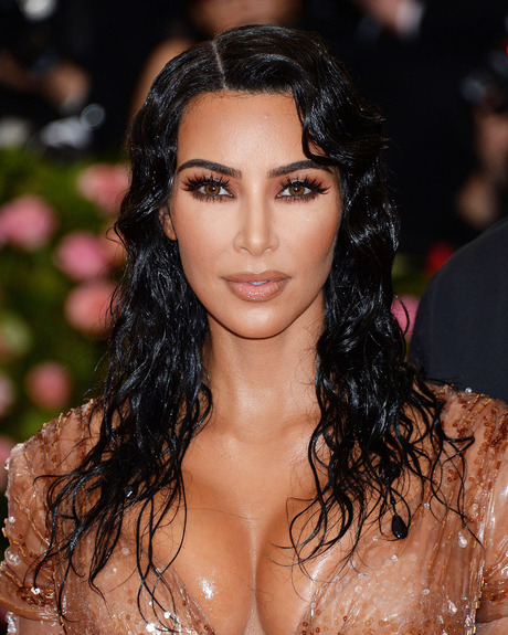 Best Hair And Make Up: 15 Amazing Beauty Looks From The 2019 Met Gala 7