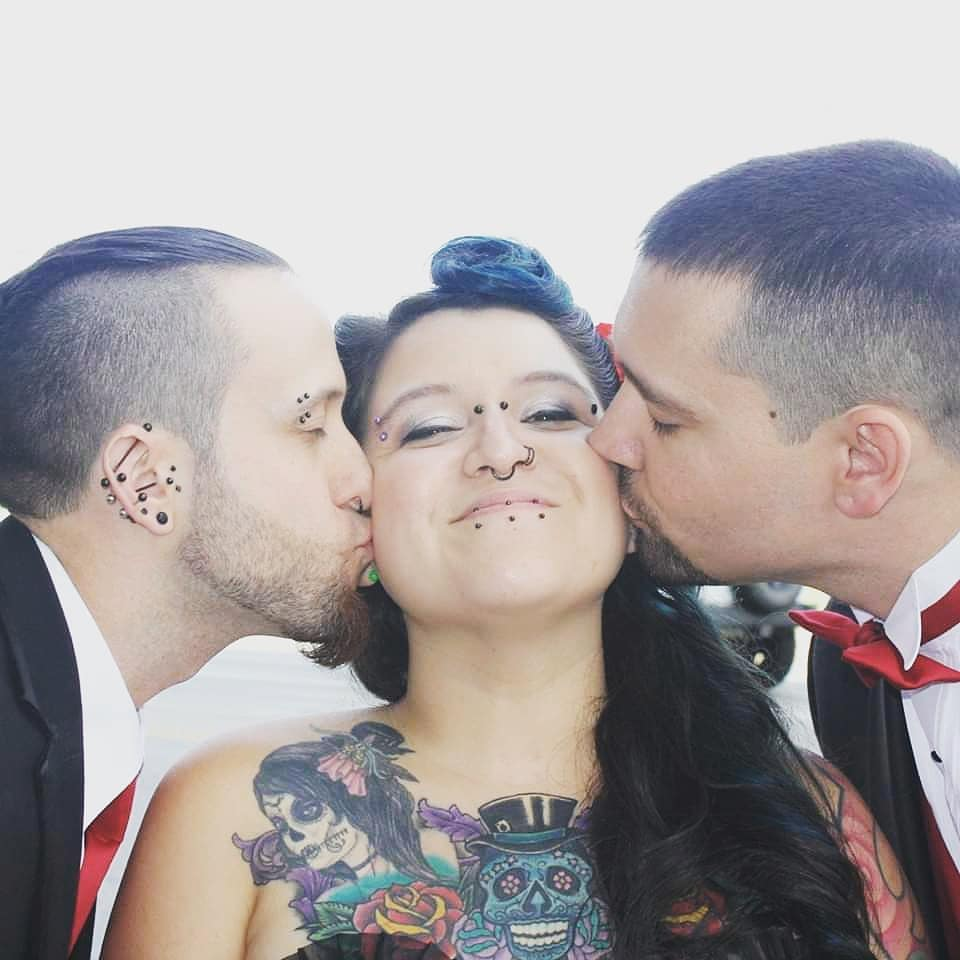 Polyamorous Woman Opens Up About 'Throuple' Relationship And