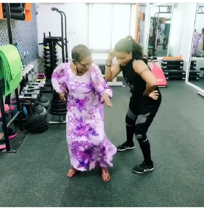 She's Got Moves! Dancer Kaffy's 82-year-old Mother Show Off Her Steps And It's Sleek 1