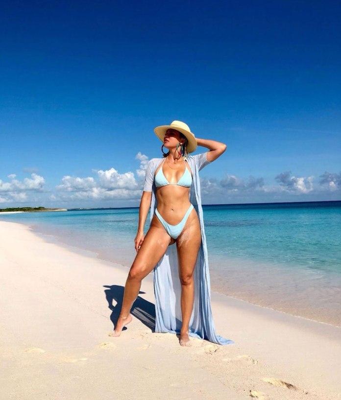 Mind. Body. Soul. ♡ - Khloe Kardashian Flaunts Amazing Toned Body In Sizzling Bikini Image 2