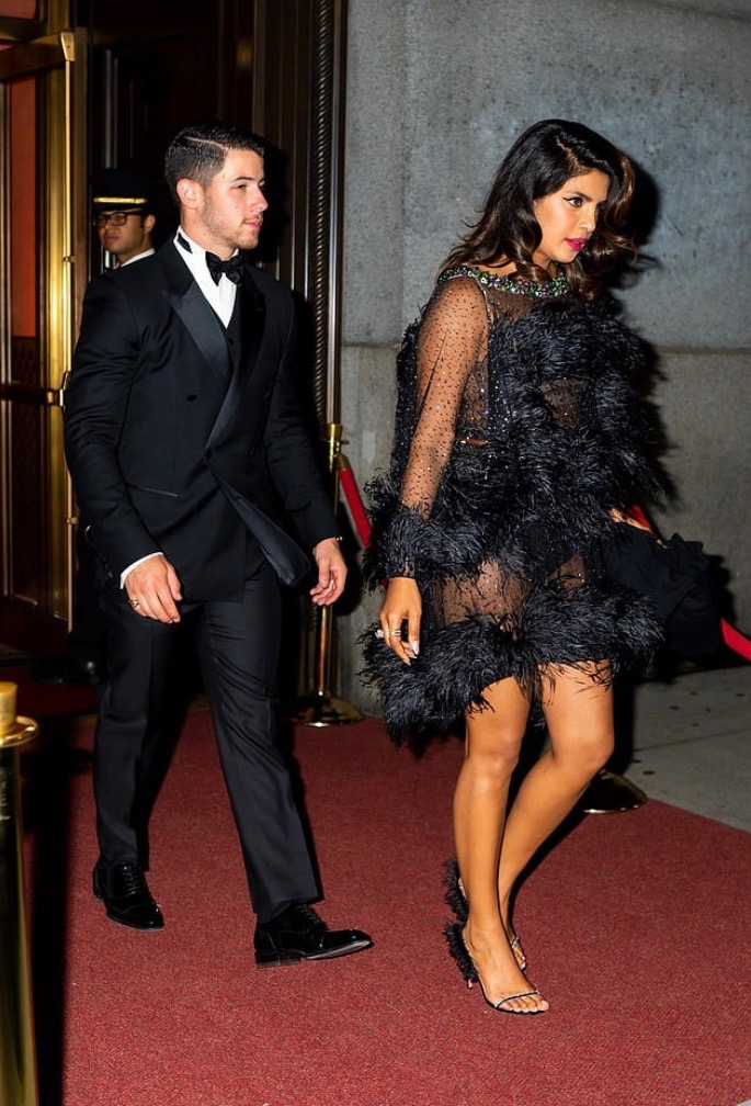 Priyanka And Nick Jonas Steps Out In Fab Black Style For Joe's James Bond Themed Birthday Party 4