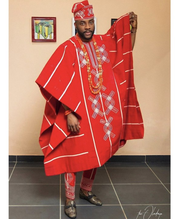 Ebuka Uchendu Just Set Tonight's BBNaija Eviction Show On 🔥🔥🔥 His Red Agbada 2