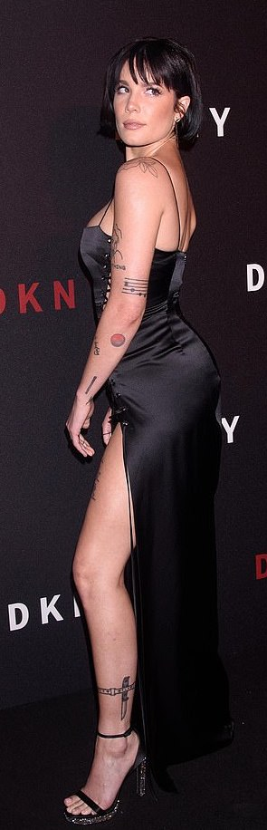 Halsey Wows In A Racy Black Lace Dress At NYFW 4