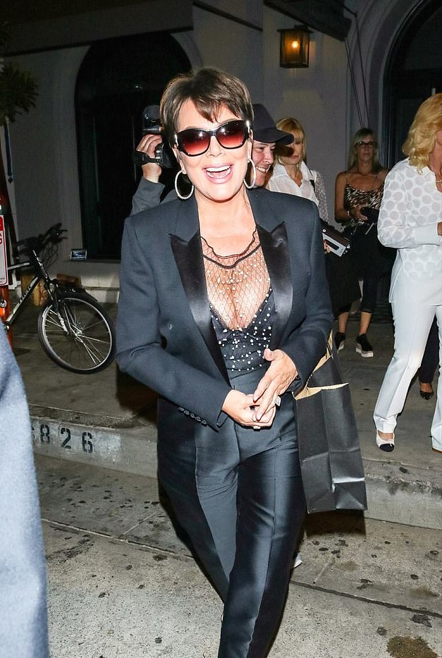 Kris Jenner Flaunts Serious Cleavage Is Sexy Black Bustier 2