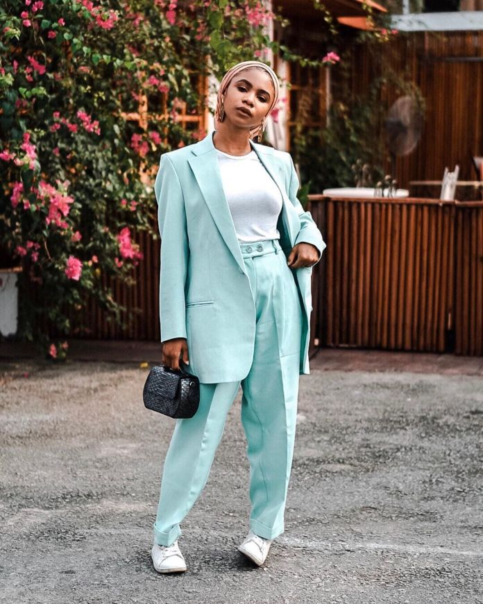10 Chic Ways Muslimah's Can Rock A Suit
