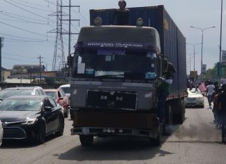 Lagos State Bans Trailers, Trucks From Daytime Movement