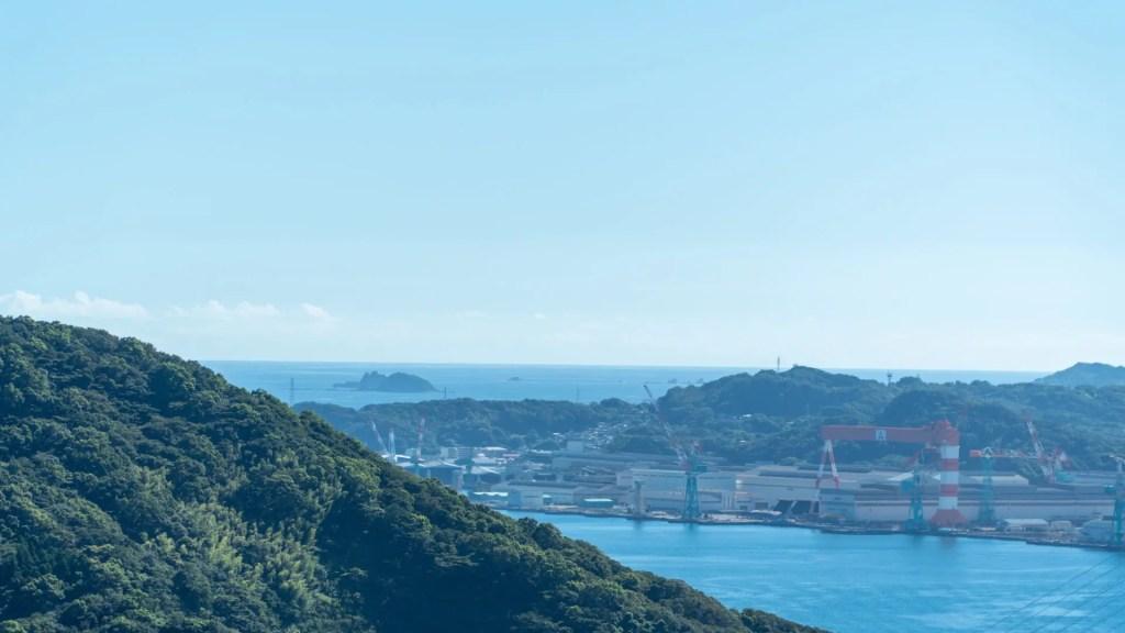 鍋冠山展望台のからの軍艦島