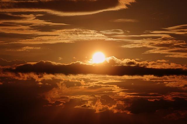 雲海の朝焼けの画像