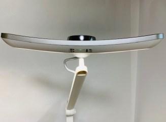 BenQデスクライトの上部正面からの画像