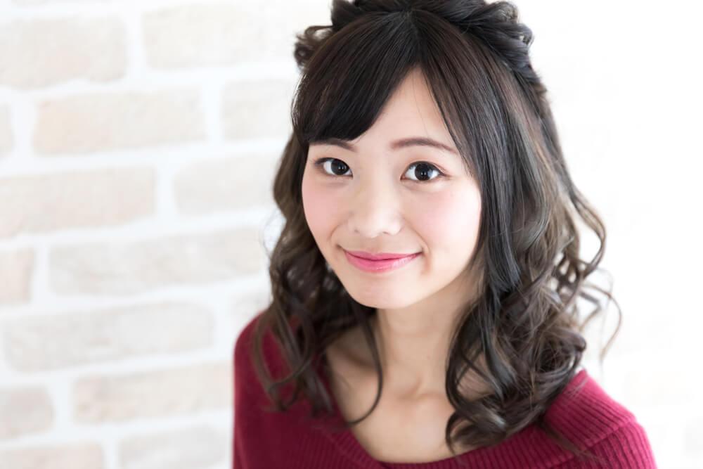 こちらに向かって恥ずかしそうにはにかむ美しい日本人女性だが、国際結婚での離婚率は非常に高い