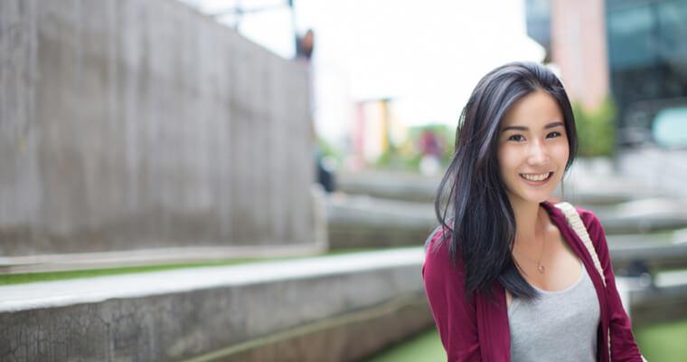 住民票を抜いて海外移住しようとしている日本人女性