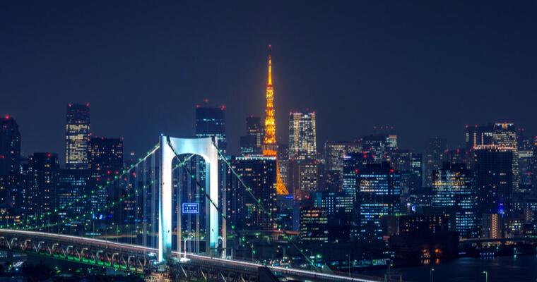 日本に来る外国人の増加は、日本人男性の国際結婚数の増加と、国際結婚比率の増加につながった