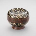 小島紗和子(木・漆) 螺鈿聖餅箱 10×10×8