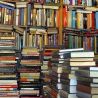 piles-and-shelves-of-books_800x300