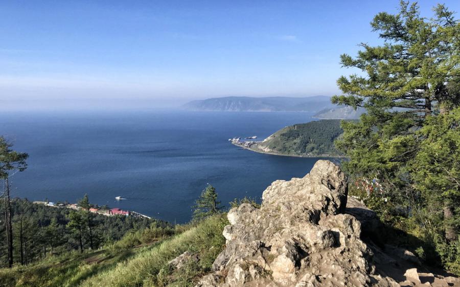 Widok na Jezioro Bajkał z Piku Czerskiego