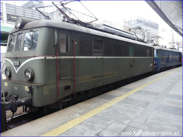 Lokomotywa ET21-57